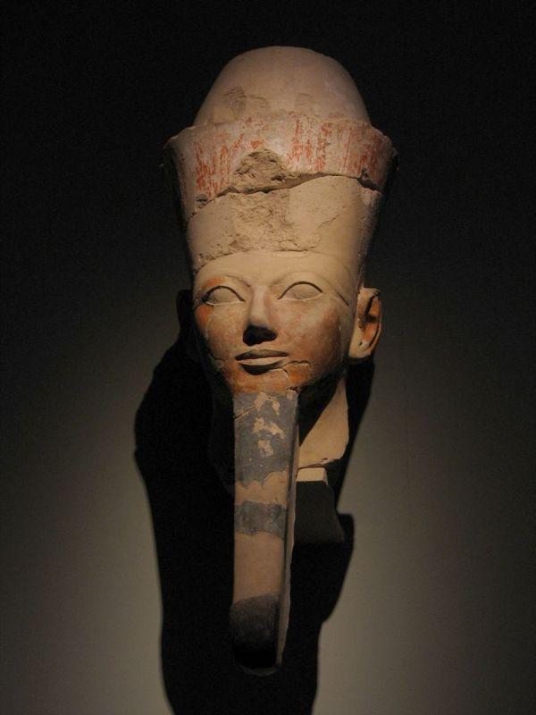 Kopf der Hatschepsut als Osiris