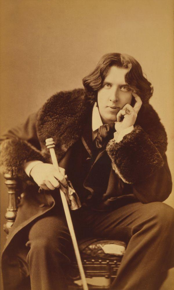 Foto des Schriftstellers Oscar Wilde aus dem Jahr 1882.