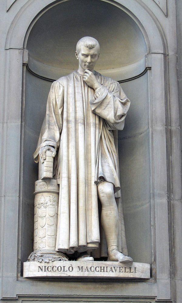Statue von Machiavelli in Florenz.