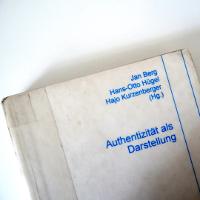 """Cover des Buches """"Authentizität als Darstellung"""""""