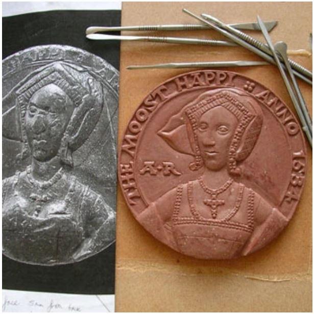 Die Rekonstruktion der Medaille von Lucy Churchill.