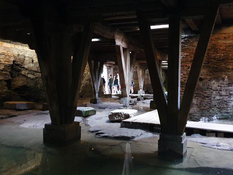 Unterirdischer Gang im Amphitheater in Trier